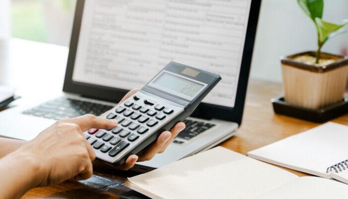 事業承継の際に生じる税金とは?節税方法についても紹介