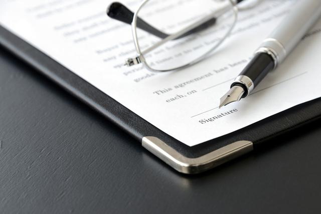 英文株式譲渡契約書の作成はプロの仕事