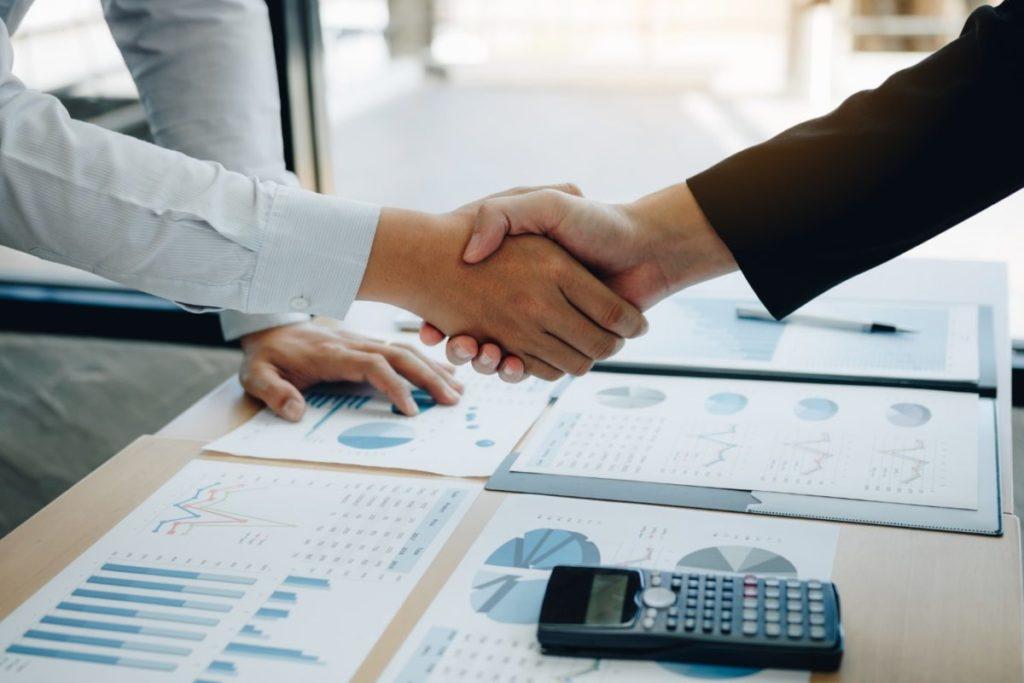 企業の買収価格が決まるまでの3つの流れ