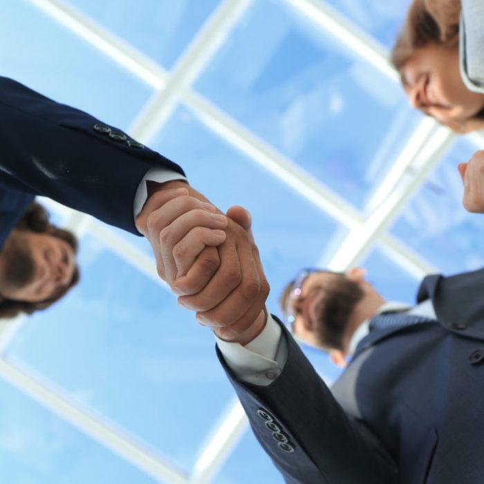 株式交換とは?メリットとデメリット、具体的な手順と注意点を解説