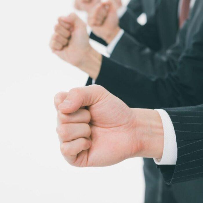【事例6選】敵対的買収(TOB)のターゲットになっても慌てない!防衛策で突破しよう